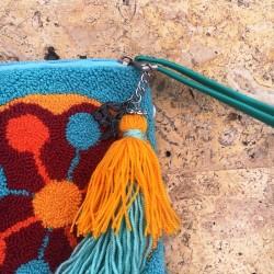 Pochette AMIOTIS ocre, terra cotta et turquoise
