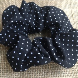 Scrunch black with dots