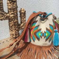 sac femme wayuu en coton et cuir bandoulière Mochila typique colombienne