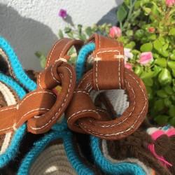 sac femme wayuu en coton et cuir bandoulière detail cuir anses